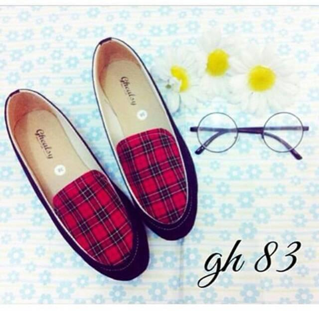 Sepatu Flat Wanita Terbaru dan Paling Murah – Supplier Grosir dan Pusat  Koleksi Flat Shoes Wanita Terpopuler dari toko-toko fashion online terbesar  dan ... 21b9042903
